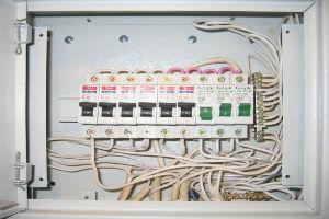 Автоматические выключатели в щите