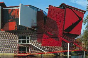 Оформление фасадов зданий деконструктивизма