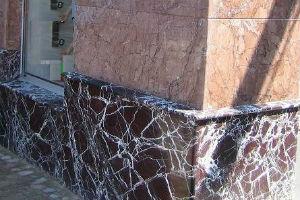 Фасад из мрамора