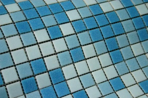 Мозаика для облицовки ванны из бетона