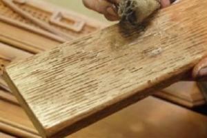 Состаривание древесины при помощи химических веществ