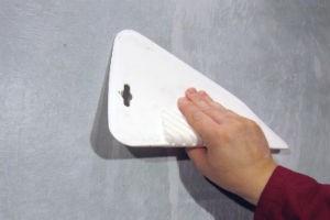 Подготовка оклеенных стеклохолстом поверхностей под малярные краски и декоративные штукатурки