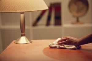 8 способов заделать царапины в интерьерной мебели