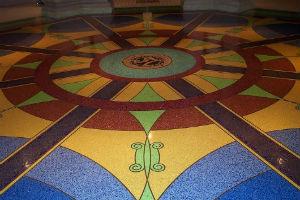 Мозаичный бетонный пол терраццо из мраморной крошки