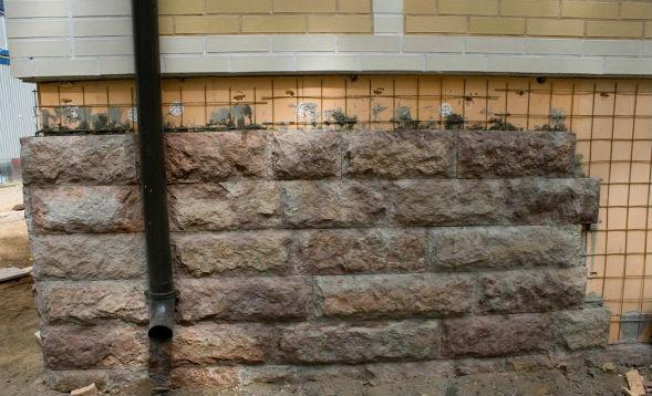 Особенности облицовки цоколя искусственными каменными материалами