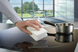 Уборка меламиновыми губками: польза и вред