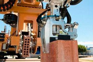 Первый прототип робота-каменщика уже в работе