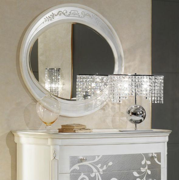 Зеркало с обрамлением в стиле арт-деко