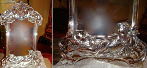 Зеркало с обрамлением в стиле модерн