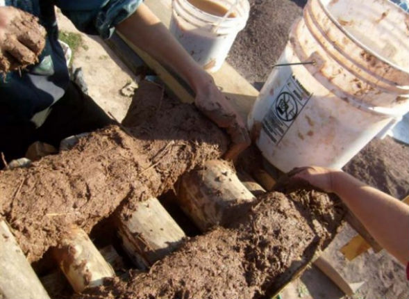 укладка раствора в глиночурку