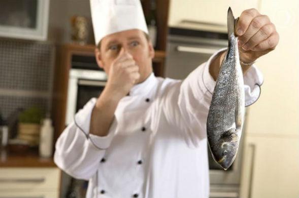 Неприємні кухонні запахи, запах риби і холодильника