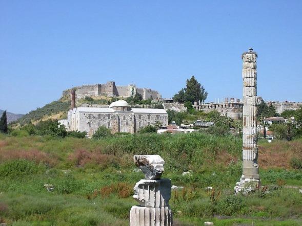 Остатки ото Хоама Артемиды в Эфесе
