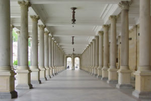 Виды облицовки колонн