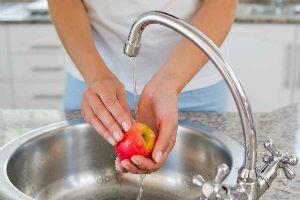 Принцип смешивания воды в смесителях для раковин и ванн
